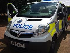 HERTFORDSHIRE POLICE VAUXHALL VIVARO (NW54 LONDON) Tags: vauxhall vauxhallvivaro hertspolice hertfordshirepolice