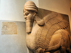Assyrian Human-headed winged bull and winged lion at New York Metropolitan Museum of Art (mbell1975) Tags: new york city sculpture usa ny art statue museum us gallery museu near manhattan musée musee m museo middle eastern metropolitan muzeum assyrian müze museumuseum