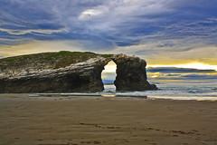 Atardecer en las catedrales (Thais Prez de Sebastin) Tags: sea praia beach spain playa galicia ribadeo erosin
