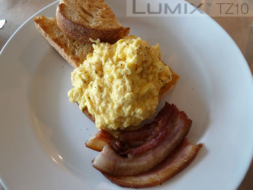 Organic Matters - Scrambled Eggs with bacon