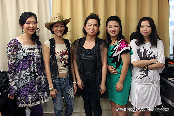 Celia Wong with the four bloggers