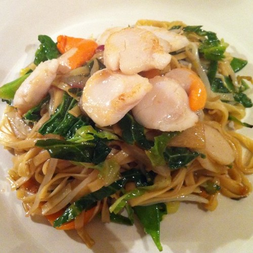 Scallops with Noodles
