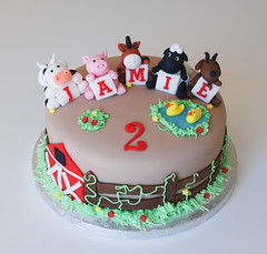 farm animal birthday cake (Lucyscakesandtoppers.co.uk) Tags: birthday horse animal cake pig cow duck sheep farm goat icing theme toppers