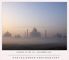 SUNRISE IN THE TAJ (P A Я T H A) Tags: winter mist sunrise mint taj tajmahal agra freshness agratourism