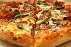 Yummy Wednesday: Domino's Pizza (stardex) Tags: food canon bread yummy beef sausage pizza olives cripsy dominospizza beefpepperoni stardex