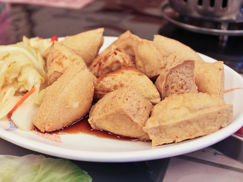 炸臭豆腐 (fried stinky tofu)