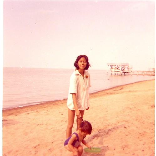mom beach 1963