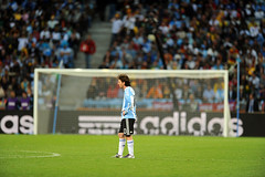 World Cup 2010 South Africa: Germany v Argentina (toksuede) Tags: world africa cup sports argentina sport del germany deutschland foot town football nikon fussball soccer south ct capetown du weltmeisterschaft di deporte cape lionel monde futbol coupe mundo copa futebol d3 2010 calcio messi