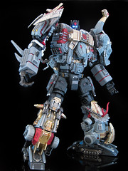 Extinction (5) (frenzy_rumble) Tags: transformer slag transformers g1 custom fr sludge extinction articulated swoop snarl masterpiece wheelie decepticons kitbash gestalt dinobot grimlock articulation devastator generation1 combiner frenzyrumble