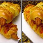DSCF2225 ウィンナーロール wiener in a roll of bread (parallel 3D) thumbnail