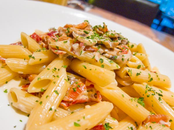 Penne in White Mushroom Cream Sauce