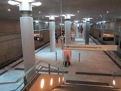 U-Bf Bundestag (flierfy) Tags: berlin public station germany underground deutschland metro mtro transport bahnhof ubahn allemagne metropolitana bvg unterirdisch verkehrsmittel haltepunkt ffentlich mtropolitain berlinunderground