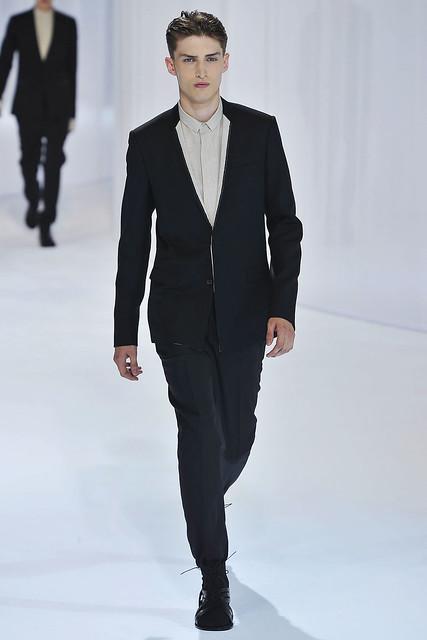 Charlie France3304_SS11_Paris_Dior Homme(VOGUEcom)