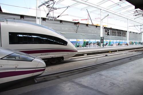Trenes de alta velocidad en Atocha :: Turismoytren.com