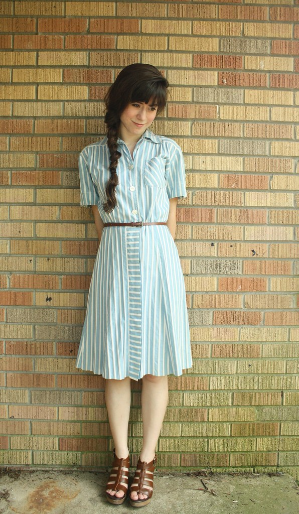 1940's blue and white striped golfing dress