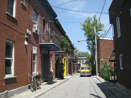 rue / ruelle demers