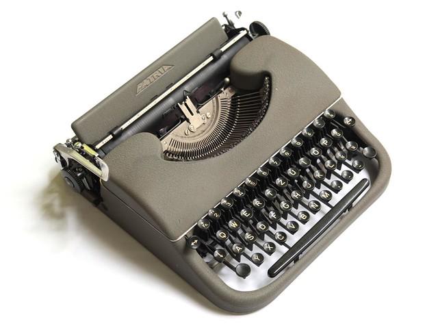 Patria typewriter