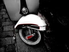 Red (Lomofy) Tags: street camera uk london art mobile google lomo lomography phone sonyericsson united toycamera cell kingdom retro desire motorola crossprocessing hero effect vignette android droid lomofy nexusone lomodroid
