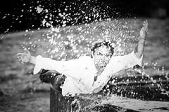 Get Wet (Ethan in Zrich) Tags: bw water fountain blackwhite reisen thomas melanie zrich hochzeitspaar splashing vlkermuseum