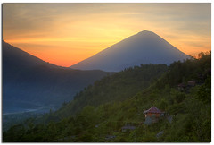 View from Kintamani, Bali (YYZDez) Tags: sea bali sunrise indonesia landscape island volcano java asia southeastasia magichour goldenhour lakebatur batur denpasar kintamani penelokan gunungagung lessersundaislands indonesianisland