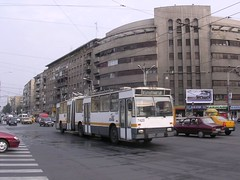 RATB 7425 Rocar 217E Bucharest Romania August 2006 (inBUSclub) Tags: de roman romania dac bucharest nord bucuresti romana rumania romanian trolleybus gara filobus ratb rumanian 7425 troleibus filosnodato rocar 117e
