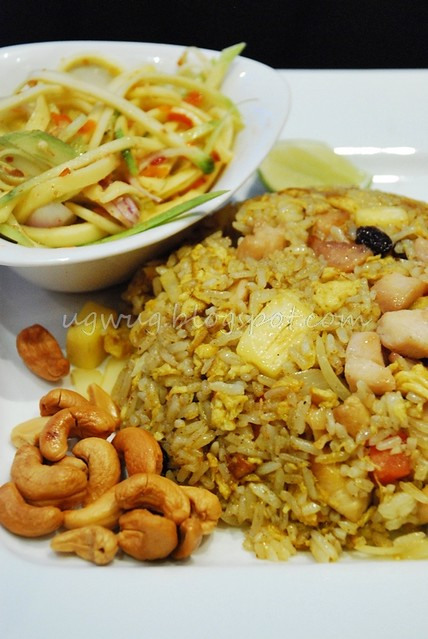 Shredded Green Mango Salad with Dry Shrimp & Coconut Flakes, Pineapple Fried Rice with Chicken