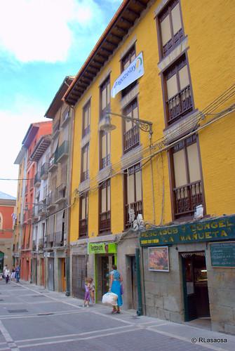 Edificios de viviendas en la calle Mañueta