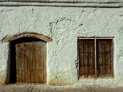 San Pedro de Atacama (( Vicenta )) Tags: chile street door white blanco ventana calle puerta desert atacama desierto sanpedrodeatacama winodws