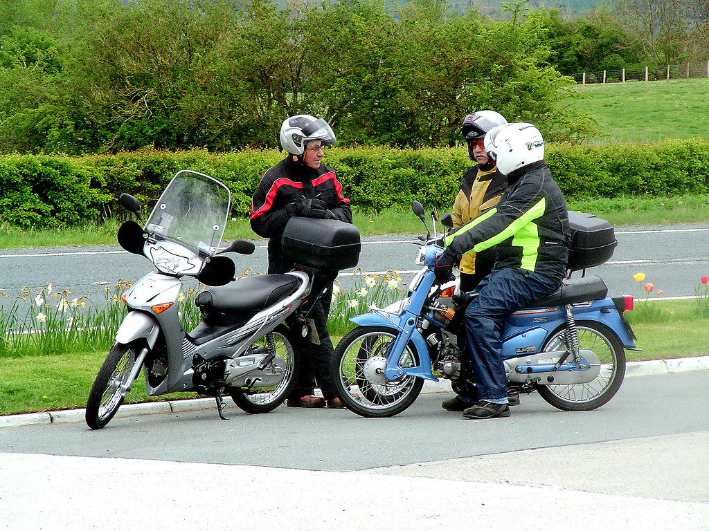 honda women Honda's cbf125 has a seat height of 792mm click 'next' to see our list of 10 best motorcycles for women next women motorcyclists, women bikers.