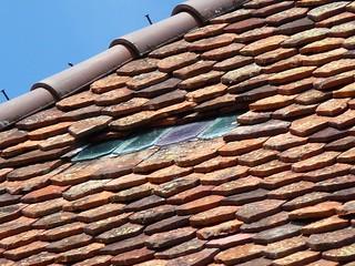 glass tile detail, avoiding overlap