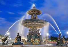 Paris, France - Fountains on the Place de la Concorde (GlobeTrotter 2000) Tags: blue vacation paris france tourism water fountain night europe cityscape place visit hour concord gettyvacation2010 gettyimagesfranceq1