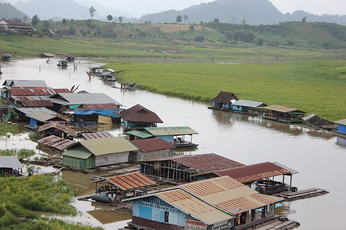 houses along the river