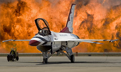 Point Mugu Airshow 2010 (Code20Photog) Tags: county wall point fire team fighter general united navy jet airshow demonstration f16 eod falcon states thunderbirds fighting airforce lockheed naval viper base dynamics ventura mugu