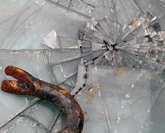 Broken glass - Schrottplatz 3 (MKP-0508) Tags: broken rust decay brokenglass junkyard rost glas evanescence verre rouille verfall glassplitter wasteyard rottamaio éclatdeverre parcàferaille