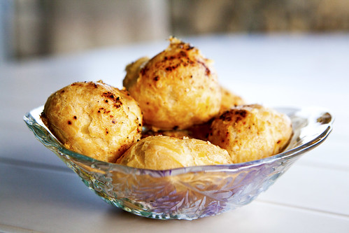 Bowlful of (golfball sized) gougeres