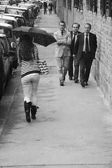 Ehi, voi tre! (Angelica Gallorini) Tags: street men girl three body firenze bella tre ombrello ragazza florenze uomini dietro fisico guardare affari marpioni nikond90bw