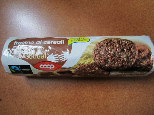 Vegan biscuit with the cocoa bean by Coop