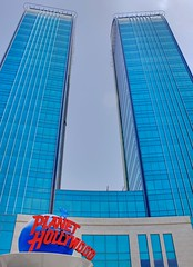 Planet Hollywood in Kuwait -     (Aziz J.Hayat   ) Tags: usa canon wow magazine hooters hollywood planet kuwait aziz salmiya hayat      jhayat   yaqaza