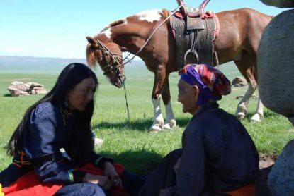 10h14 Dos caballos de Genghis Kahn