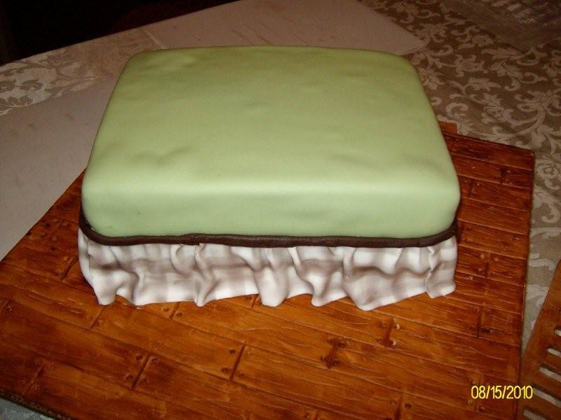 Cake with Dust Ruffle