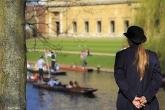 Miss Cam (Sir Cam) Tags: cambridge university trinitycollege porter punting punt rivercam wrenlibrary sircam