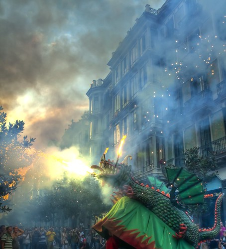[フリー画像] イベント・行事・レジャー, 祭り・フェア, スペイン, HDR, 竜・龍, 201008230100