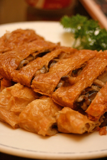 Beancurd rolls stuffed with vegetables and mushrooms