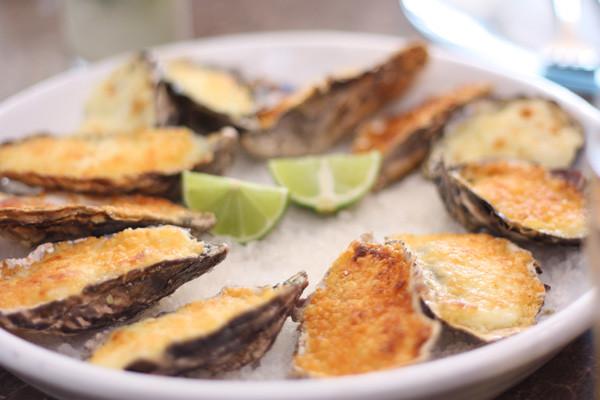Gratinated Oysters - Santo Antonio de Lisboa