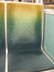 Métro - 32 (Stephy's In Paris) Tags: paris france underground subway nikon metro métro francia stephy métroparisien métropolitain métrodeparis stephyinparis coolpixp5100 nikoncoolpixp5100