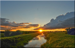 Sunset Rays (mayaplus) Tags: sunset red orange clouds dark evening norfolk creative moment sunrays creativemoment flickraward
