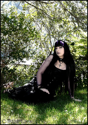 classic goth fashion