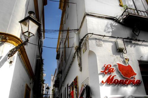 Narro street at Sevilla. Callejón de Sevilla