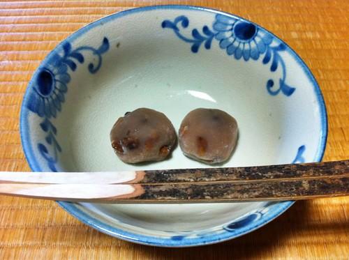 """今日のお菓子 No.2 – 和菓子 """"くるみ餅"""""""