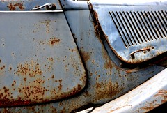 In rust we trust... (CitroenAZU) Tags: handle rust decay citroen traction du oxidation bonnet rost corrosion avant fer roest rouille 11cv familiale verval worldcars